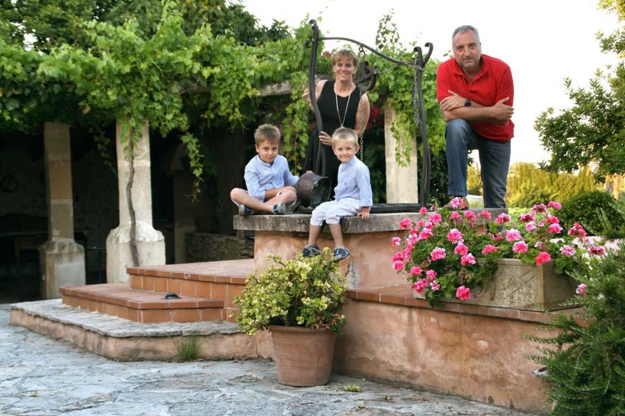 Gourmet food from Spain Mariscal&Sarroca family